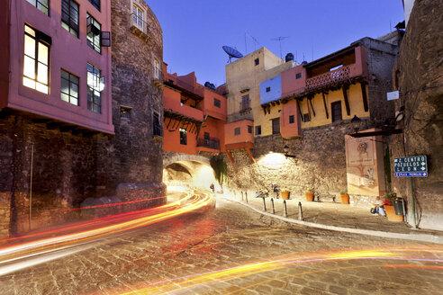 Mexico, Guanajuato, Historic city center with light trails - FPF000057