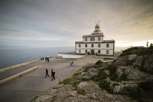 Spain, Finisterre, view to lighthouse - RAEF000602