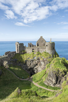 United Kingdom, Northern Ireland, County Antrim, View of Dunluce Castle - EL001696