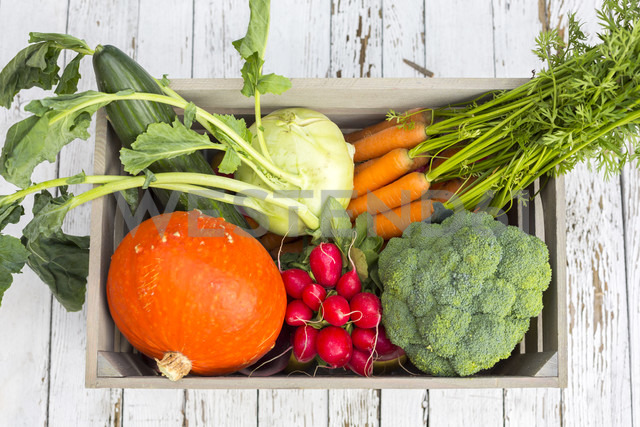 Wooden box of different vegetables - SARF002274