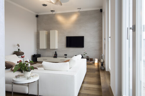 Interior of modern flat, Living room with white couch - FKF001519