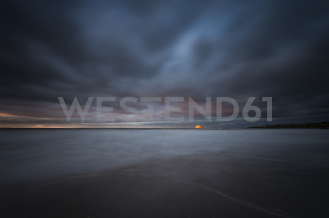 United Kingdom, Scotland, East Lothian, North Berwick, Bass Rock at sunset, stormy weather - SMAF000391 - Scott Masterton/Westend61