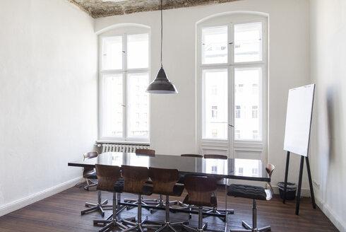 Empty room in a modern office - JUBF000056