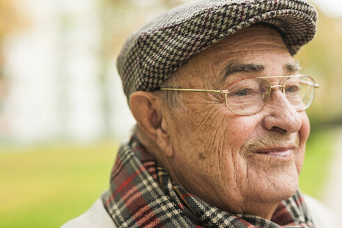 Smiling senior man outdoors - UUF006119