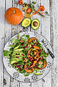 Autumnal salad with squash, pomegranate seeds, avocado and walnuts - SARF002318