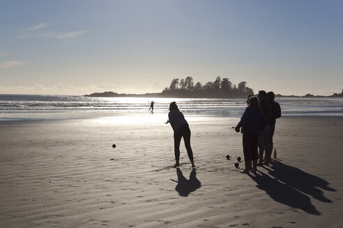 Canada, Vancouver Island, Longbeach, People playing boccia - TM000069