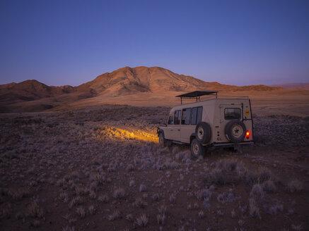 Africa, Namibia, Namib Desert, Landrover in Kulala Wilderness Reserve - AMF004444