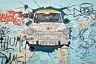 Germany, Berlin, Berlin Wall, East Side Gallery, mural painting - RJ000548