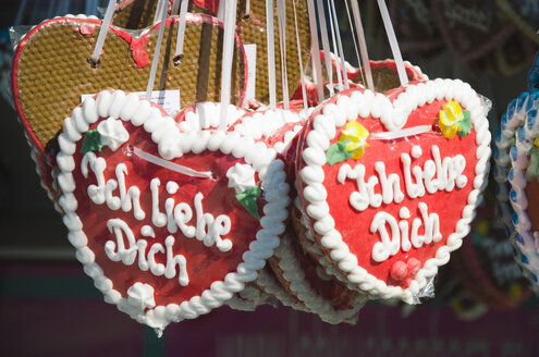 Gingerbread hearts with German inscription - GSF001009