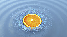 Slice of orange and splash of water - HWIF000018