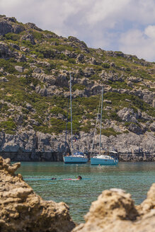 Greece, Dodecanese, Rhodes, Anthony-Quinn-Bay, sailing boats - WDF003460
