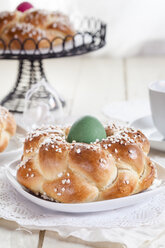 Braided Easter bread with green egg - SBDF002548