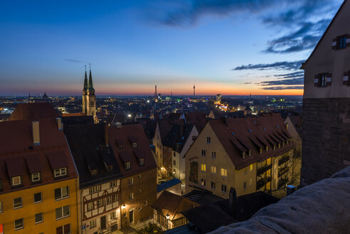 Germany, Nuremberg, View from Nuremberg Castle at night - KEBF000299