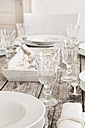 Maritime laid table with wine glasses - LVF004298