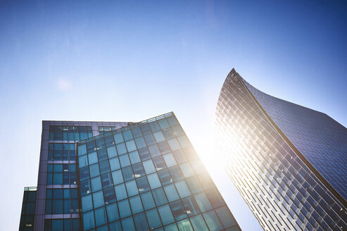 Canada, Vancouver, office towers and reflection of sunlight - DISF002272