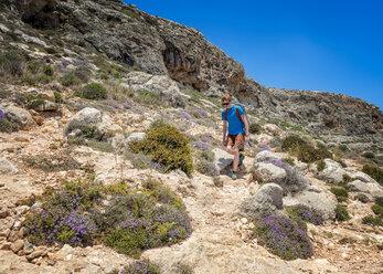 Malta, Ghar Lapsi, McCarthey's Cave, rock climber - ALRF000266