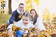 Happy family in autumnal park - HAPF000061