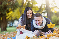 Happy family in autumnal park - HAPF000076