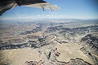 USA, Arizona, Grand Canyon, wing of airplane - STCF000107
