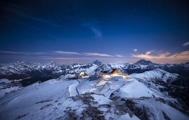 Italy, South Tyrol, Dolomites, Lagazuoi, Alpine Cabin at night - STCF000119