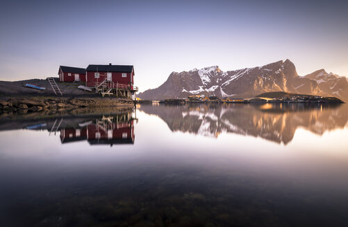 Norway, Lofoten, Hamnoy, Fishing huts in the evening - STCF000122
