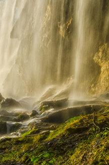 Croatia, Plitvice Lakes National Park, Waterfall - LOMF000165