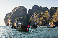 Thailand, Koh Phi Phi Island, long-tail boats - MAUF000172