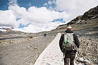 Peru, Man with backpack hiking the Cordillera Blanca - GEMF000582
