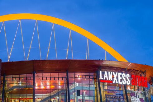 Germany, Cologne, lighted Lanxess Arena at blue hour - WG000812