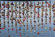 Germany, Friedrichshafen, love locks on palings - SIE006917