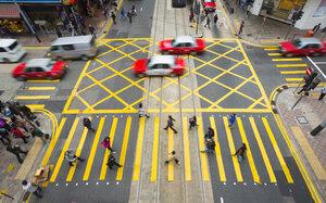 China, Hong Kong, People crossing road - HSI000387