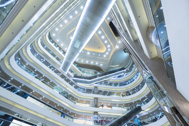 China, Hong Kong, Interior of a shopping mall - HSI000393