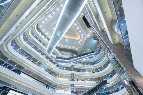 China, Hong Kong, Interior of a shopping mall - HSI000393