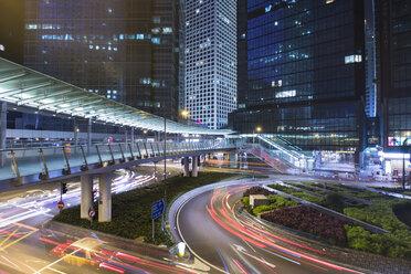 China, Hong Kong, Traffic at night in Central Hong kong - HSIF000402
