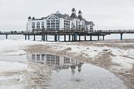 Germany, Mecklenburg-Western Pomerania, Ruegen, view to Sellin Pier in winter - ASCF000456
