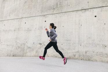 Spain, Barcelona, jogging woman - EBSF001209