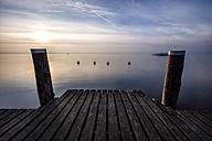 Italy, Lombary, Sirmione, Jetty at Lake Garda - DAWF000470