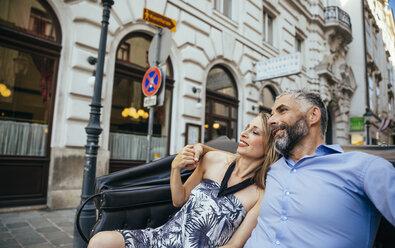 Austria, Vienna, couple in love sitting in a fiaker - AIF000276