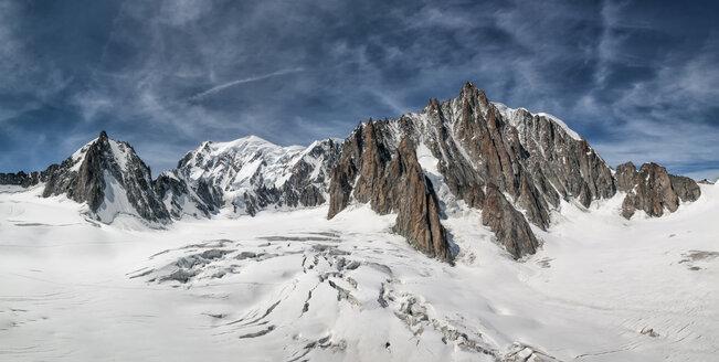France, Chamonix, Mont Blanc range, Tour Ronde, Grand Capucin, Mont Maudit, Mont Blanc - ALRF000320