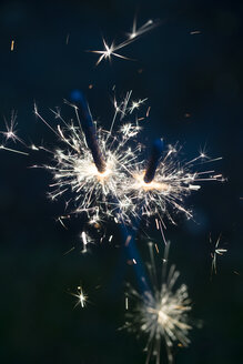 Sparklers at night - MYF001305