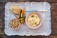Hummus, chick peas, carrots, cucumber, baguette - SARF002448