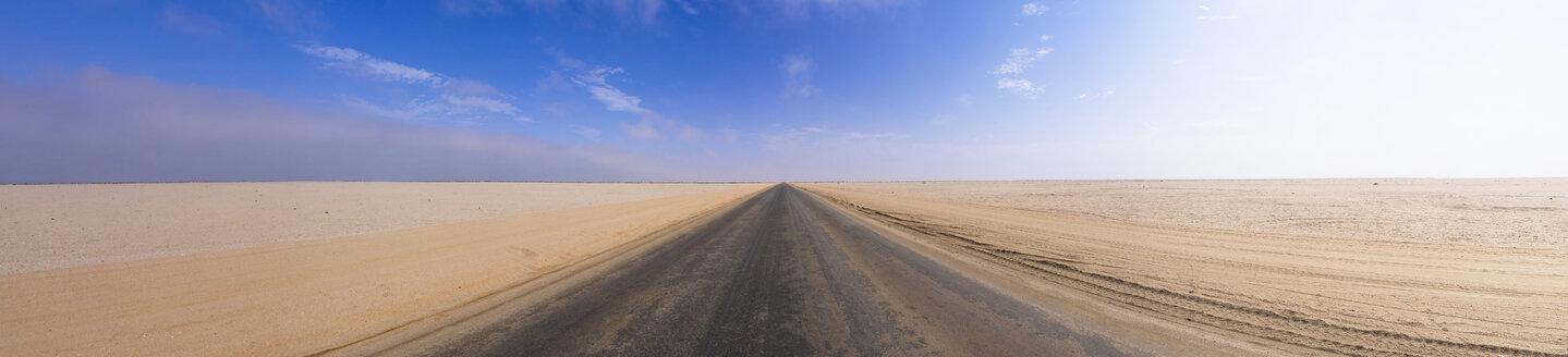 Namibia, Erongo Region, Lonely coastal road C64 - AMF004669