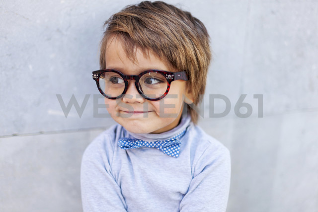 Portrait of smiling little boy wearing oversized spectacles - VABF000056