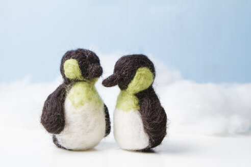 Two felted penguins - FLF001253