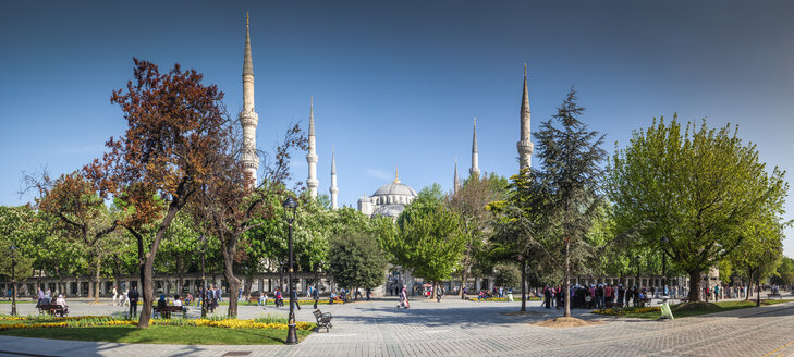 Turkey, Istanbul, view to Sultan Ahmed Mosque - MDIF000009