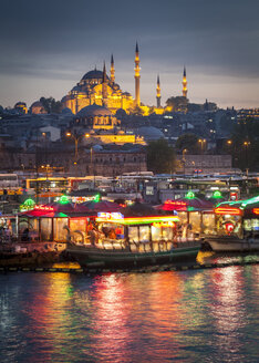 Turkey, Istanbul, view to Eminonu Harbor and Rustem Pasha Mosque and Suleymaniye Mosque - MDI000024