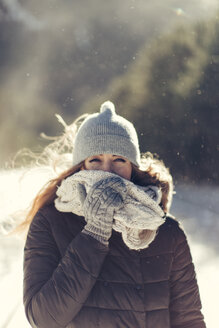 Portrait of woman in nature wearing warm clothing - JPF000104