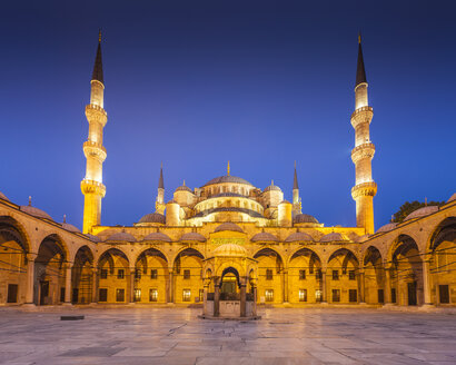 Turkey, Istanbul, view of Sultanahmet Camii, Blue mosque, blue hour - MDIF000037