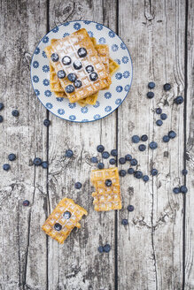 Waffles with icing sugar and blueberries - LVF004450