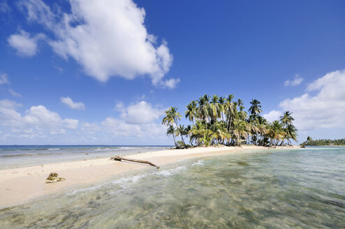Panama, San Blas Islands, desert island with palms - STEF000150